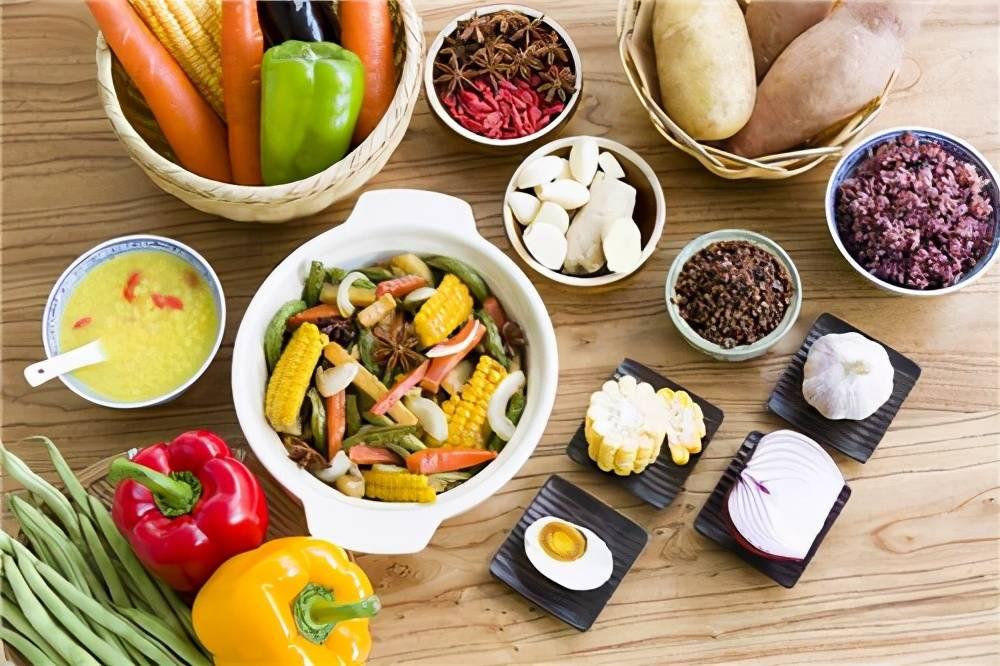 """糖尿病人群的""""食物禁忌"""",这5种美食别往嘴里送,不吃是最好的"""