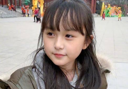 11岁Kimi照片被公开,看到真实颜值后,网友称:难怪林志颖不晒了