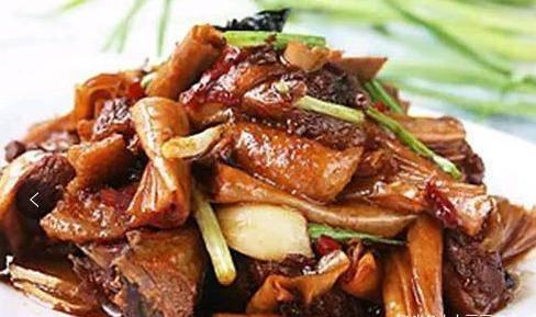 美食推荐:豆干回锅肉,油焖茭白,凉拌猪耳朵,腐竹烧鸭的做法