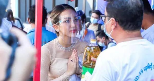缅甸年轻女性有多少人口_缅甸人口分布图