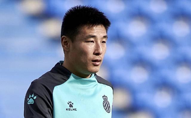 武磊:感染新冠后曾想回国踢球 在西乙被当成皇萨_西班牙人