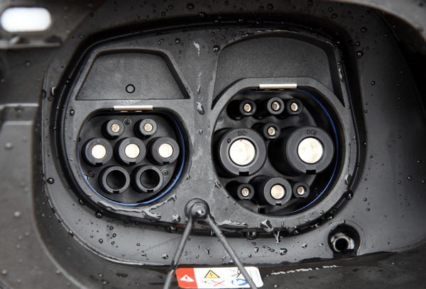 """告别""""油改电"""",MEB+AR-HUD,预售价不到20万_新能源"""