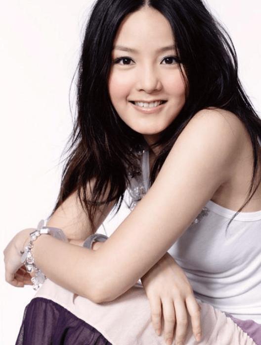 """欧亿5代理:她被称为""""小赵薇"""",跑去拍3级一脱未红,今38岁消失在娱乐圈"""