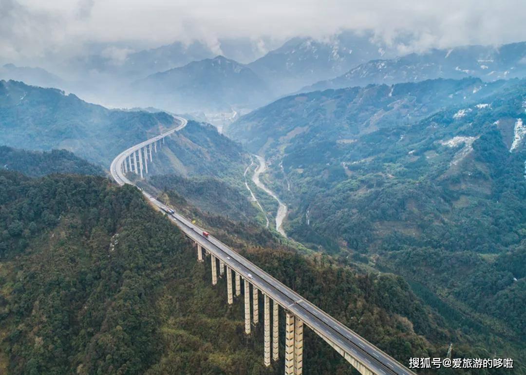 中国这10条逆天公路,曾火爆外网,国内却鲜为人知!