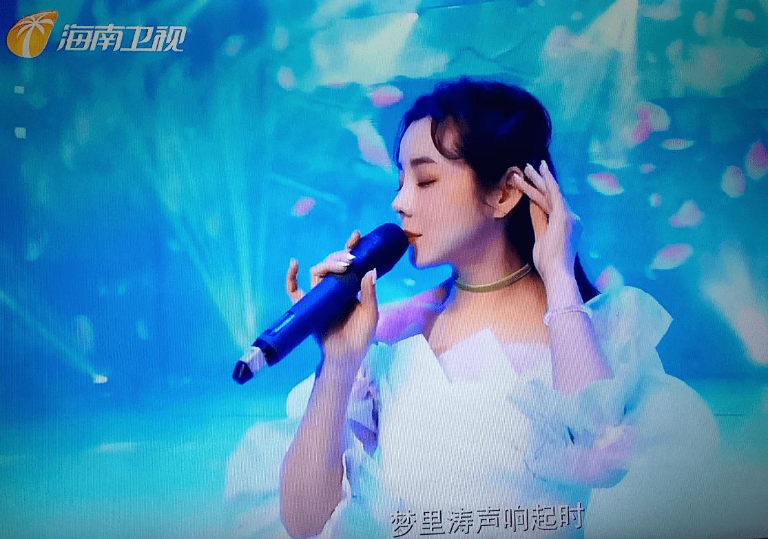 """深圳影视演员柯黎,她上了热搜,今晚她以歌手身份出现在""""海南卫视"""""""