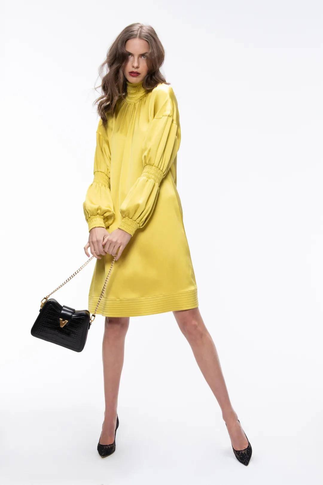 Vivienne Hu秋冬2021纽约时装周线上大秀暗流汹涌