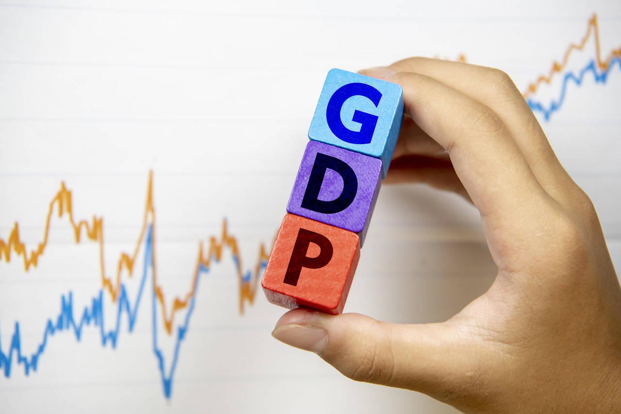 中国人均GDP连续两年超1万美元意味着什么?