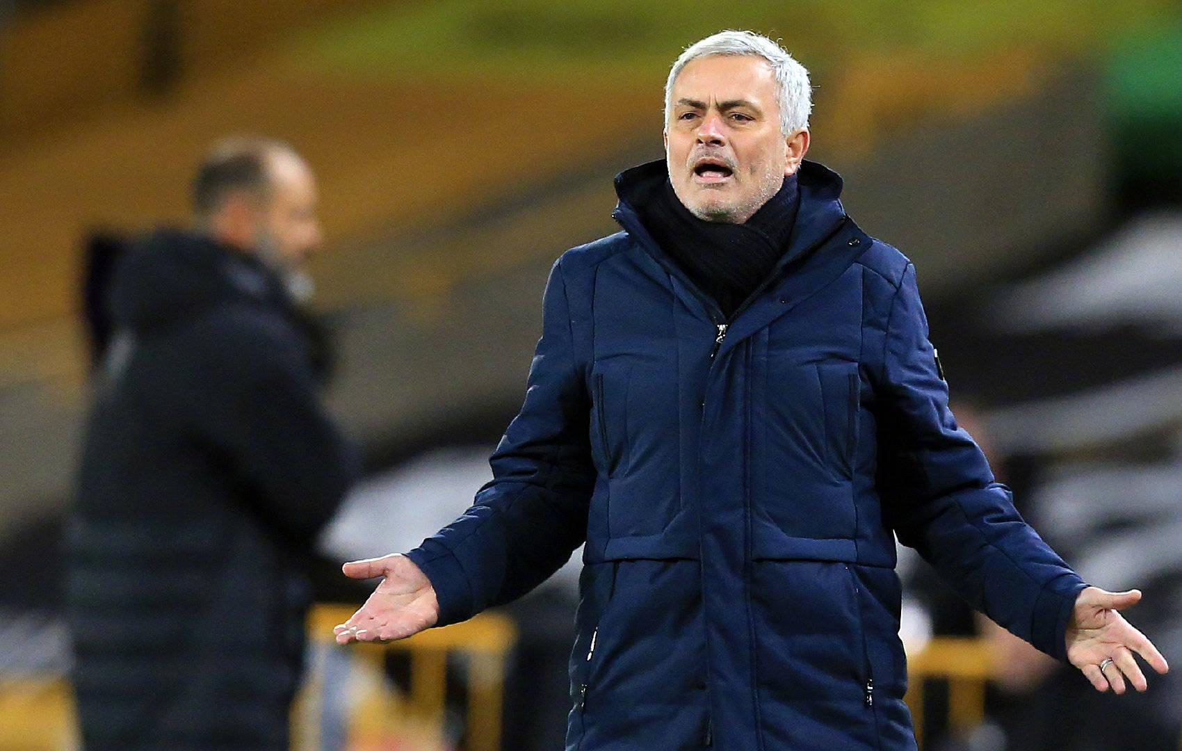 """原创             1-1,0-2!穆里尼奥迎利好,热刺一场胜利可""""追上""""三大对手"""