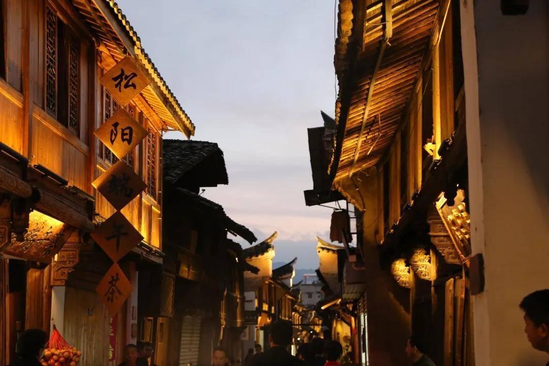 原创             为什么这么多人为了睡觉去旅行? 中国自驾地理