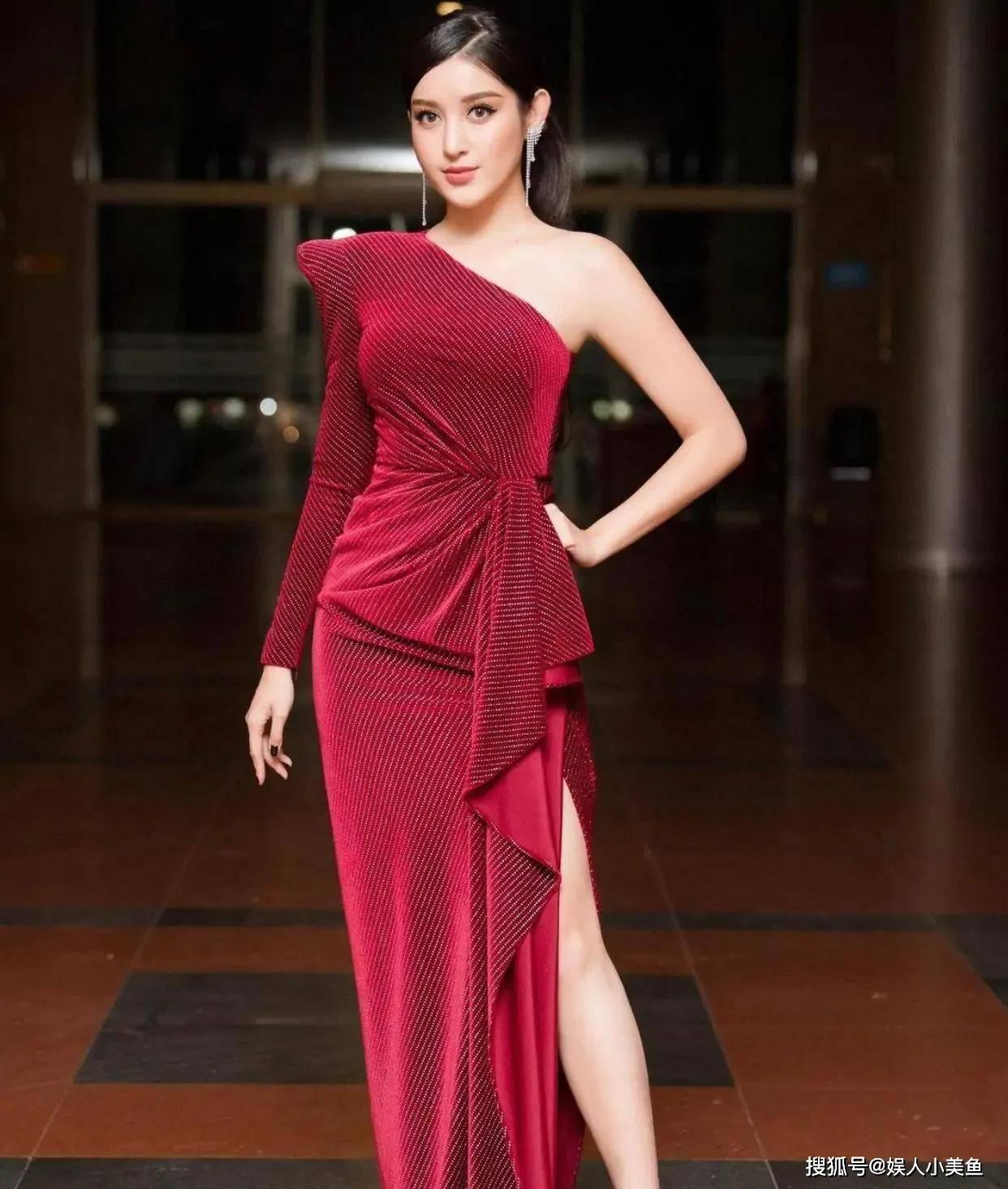"""原创             越南新晋第一美女,拥有天使容颜和极品身材,堪称是""""人间尤物"""""""
