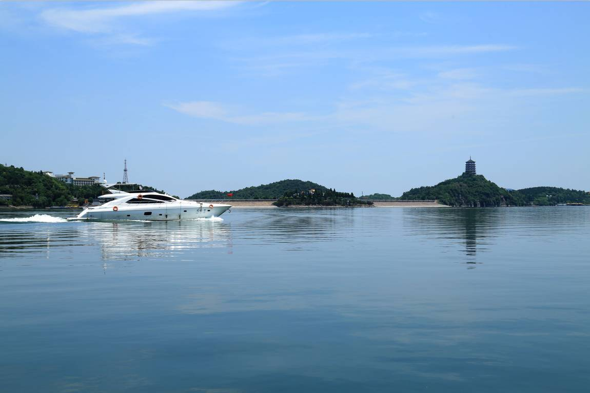 安徽一处集山、水、泉、石、崖、池、洞、林和文化遗址于一体的湖泊