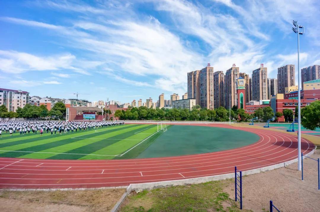 休闲锻炼场地匮乏,学校体育场馆向社会开放?