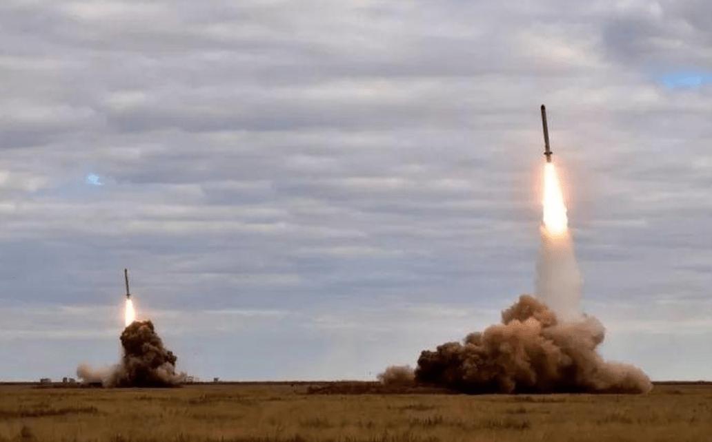 原创要求美国撤出所有海外核武器,俄罗斯贪得无厌,核棒更厉害