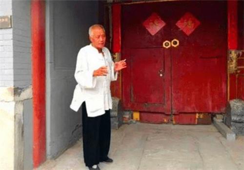 爱新觉罗安林:身价千万,在京城蹬38年三轮车,1小时150元不讲价