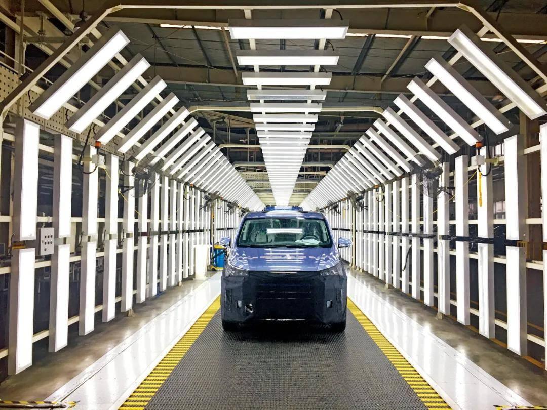 20多个城市抢跑氢燃料电池汽车:加氢焦虑被忽视,比电动汽车推广难度大