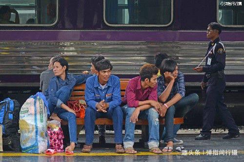"""泰国""""百年古董""""火车站,古老陈旧却浪漫文艺,今成""""网红景点"""""""