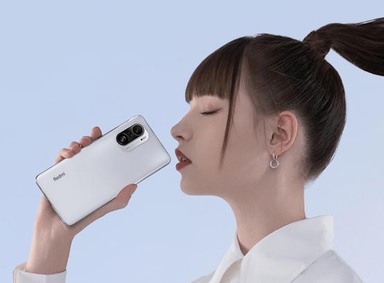 """原版红米K40海外版曝光:搭载Snapdragon 870,使用""""最贵的直屏"""""""