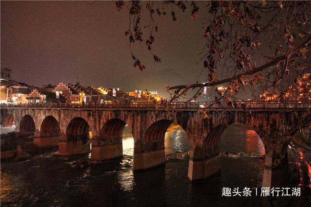 贵州有一个2000多年古镇,远观像太极图,被称为东方的水上威尼斯