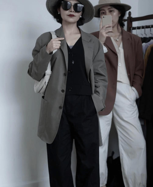 讲真!穿优衣库就服这些50+女性,她们的早春穿搭,时髦高级