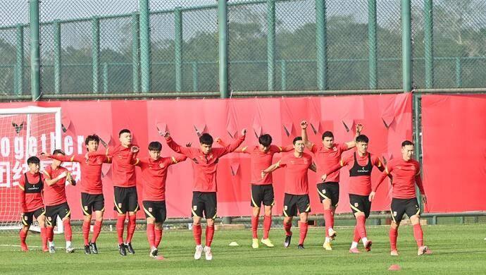 """上海或无缘""""国足主场"""" 两个""""国足福地""""开始拉票"""