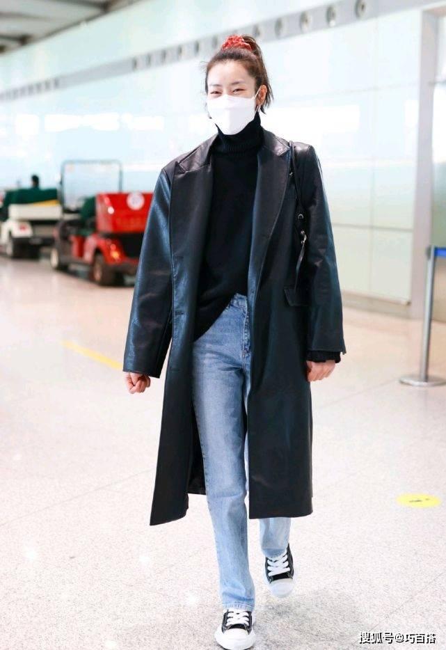 刘雯早春外套大盘点,风衣西装牛仔全都安排上,针织开衫也没错过