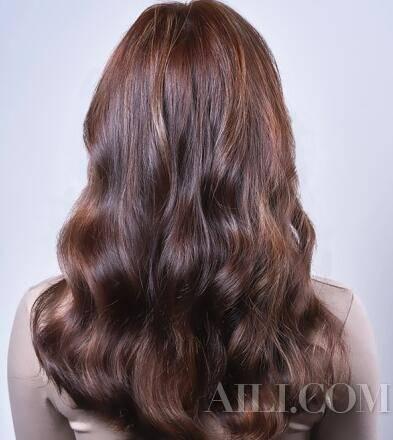 像Lisa一样的时髦混血UWIN电竞感 快来染个棕色系发色