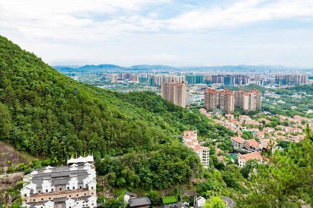 广东有个客家文化村,在此能感受客家的原始生活,你想来体验吗