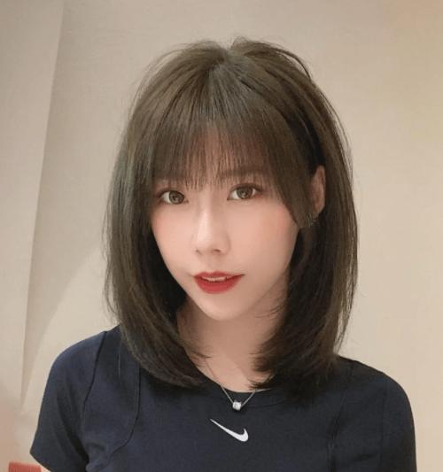 圆脸女孩要留刘海吗?UWIN电竞试试这6种发型,显脸小还