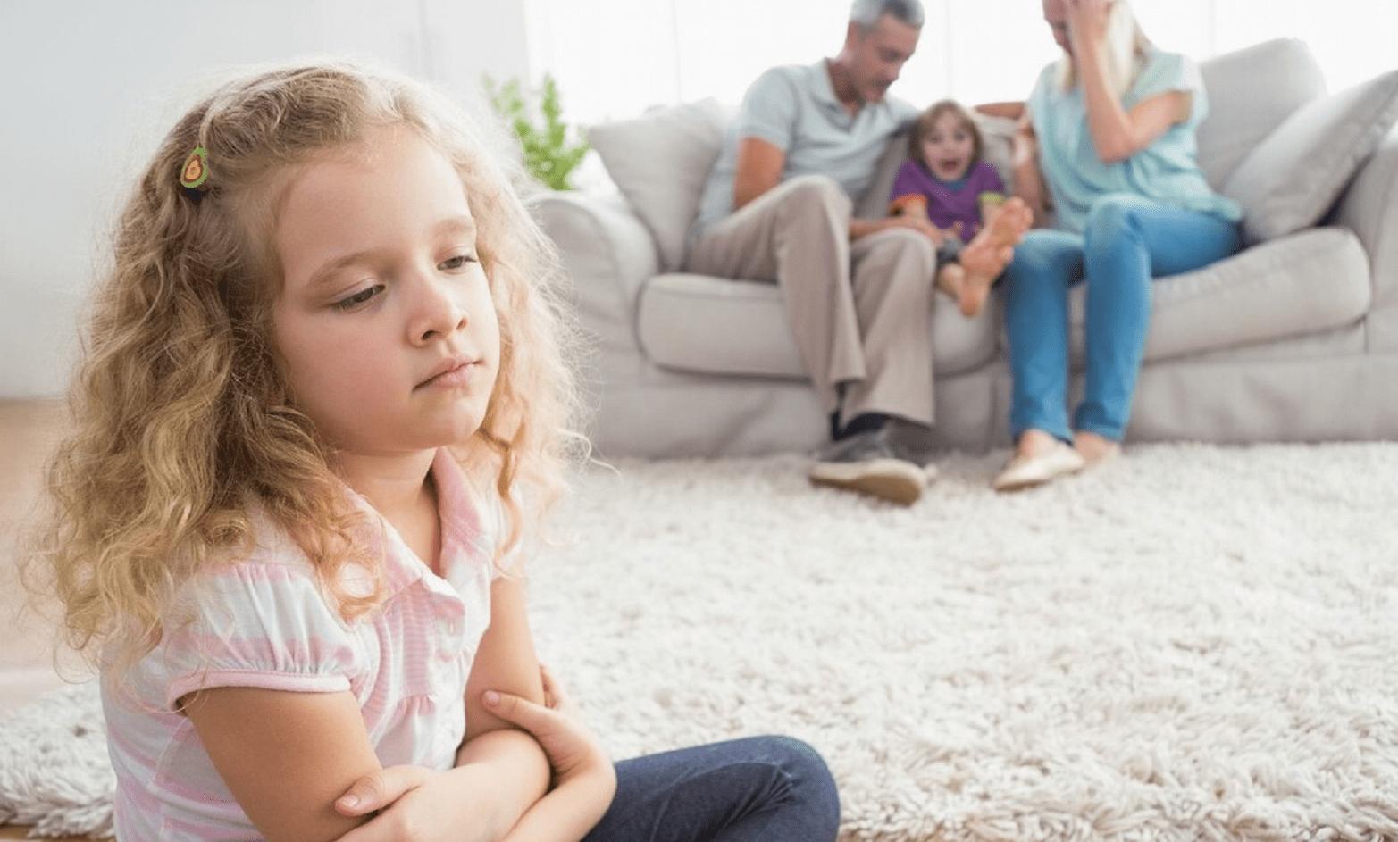 为什么爸爸总是偏心妹妹 偏心的父母让女儿心寒
