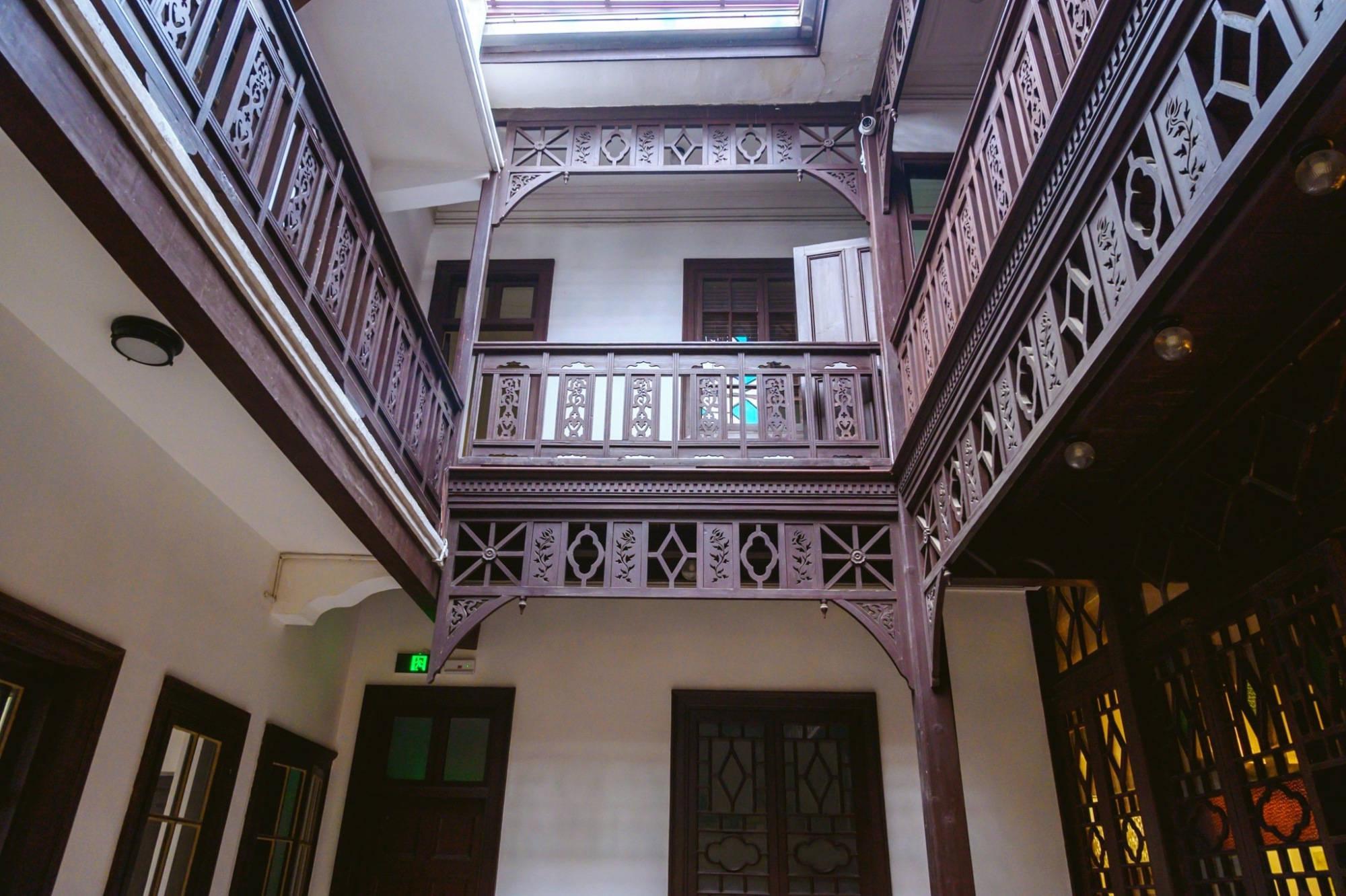 徐志摩故居,建于上世纪20年代,浴缸唱机及粉色装饰尽显浪漫奢华