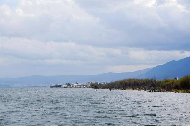 海南女孩旅行云南,大理洱海并不是海,这才是它的真正的样子!