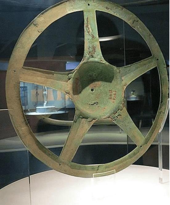 三星堆太阳轮究竟是干永利注册啥的,从背后往前看,它