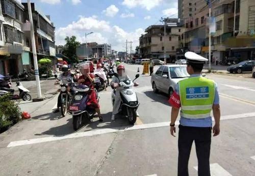4月,严查电动车、摩托车出现这种违章,遇到直接罚,车主注意