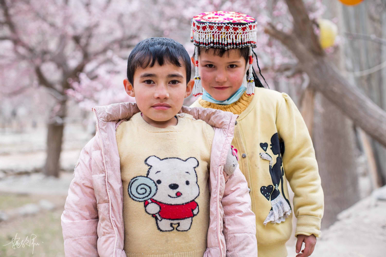 4月的帕米尔高原杏花,绝对是新疆最美的地方