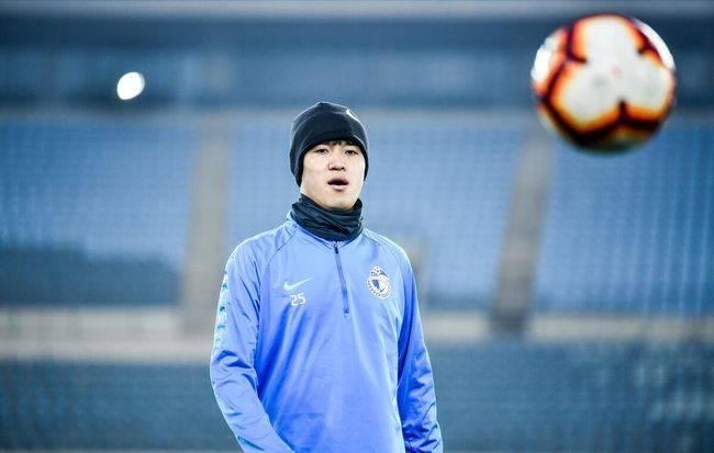 曝李建滨自由身转投成都 上赛季淡出大连人一线