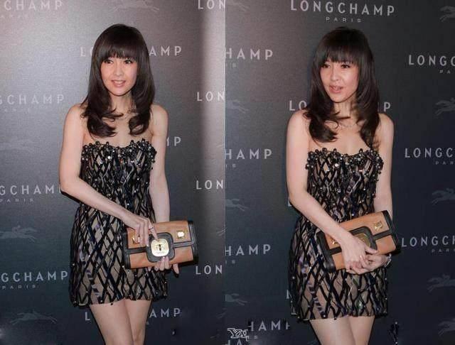 周慧敏穿出了60后想要的优雅感,黑色抹胸裙优雅高贵,风情万种