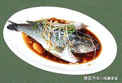 鱼身上一部位,含大量寄生虫,再喜欢也别吃,还有人傻傻当美食