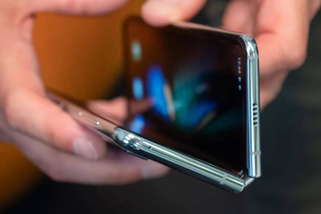 中国智能手机出货量激增 华为未跻身前五
