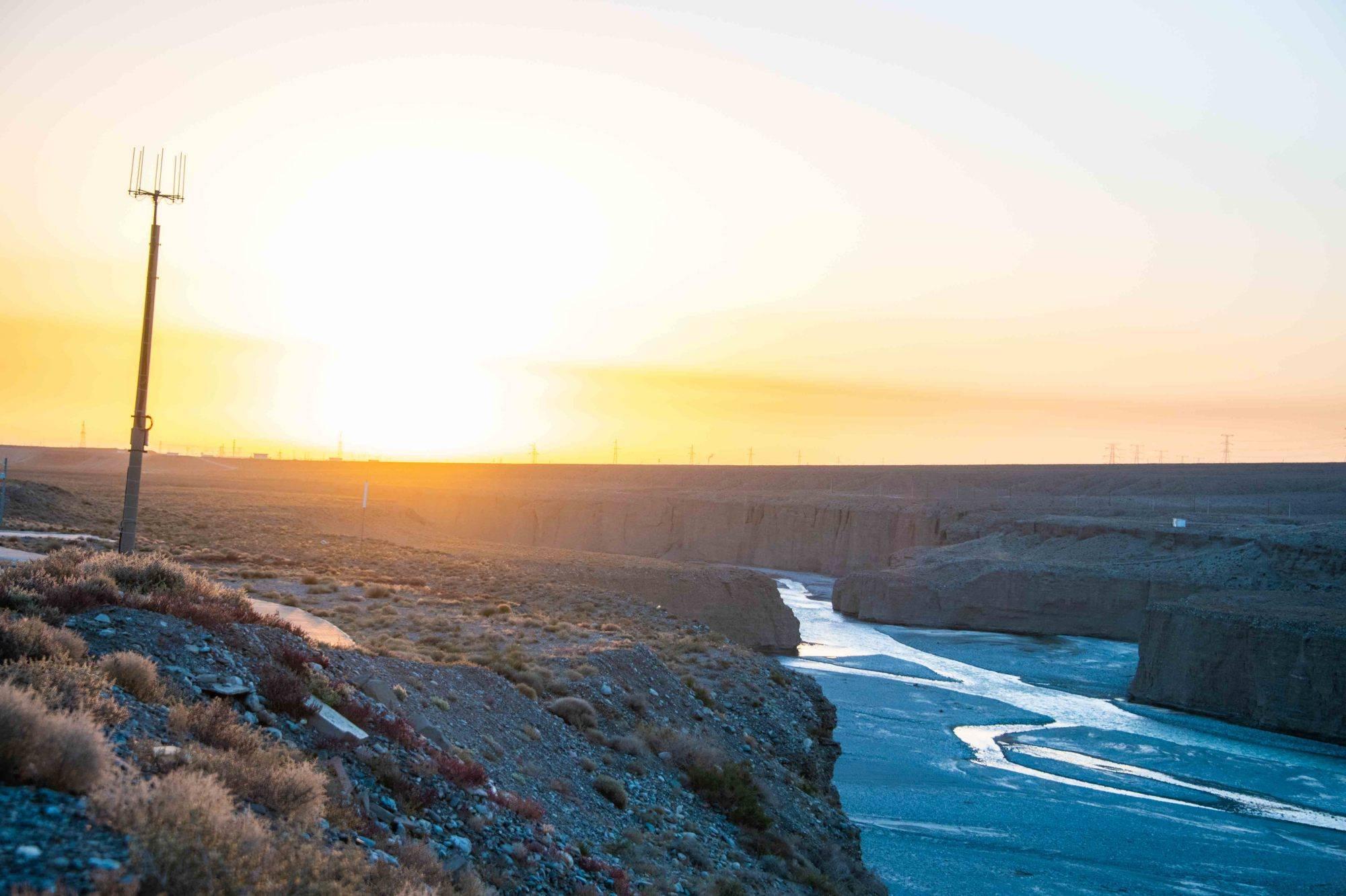 西北戈壁上超值得的峡谷,曾是嘉峪关最大水源地,峻险的风景超美