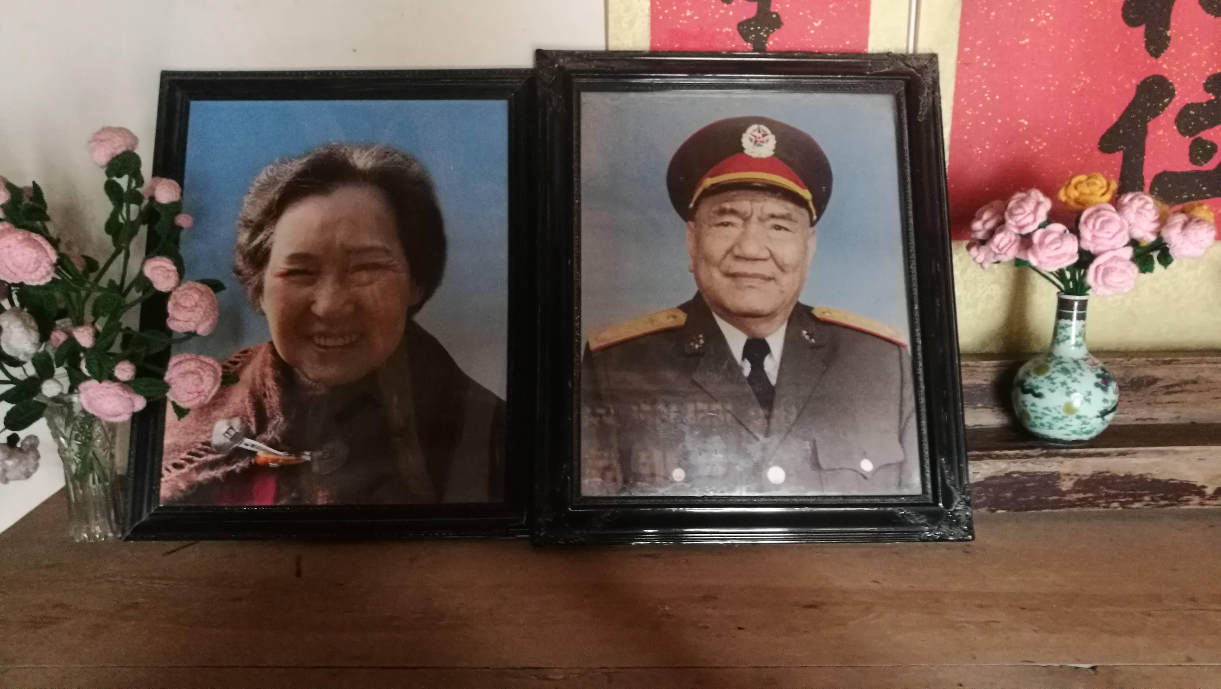 毛主席同意王近山复出,尤太忠机动灵活,责备说,责备老首长不肯买个卧铺票