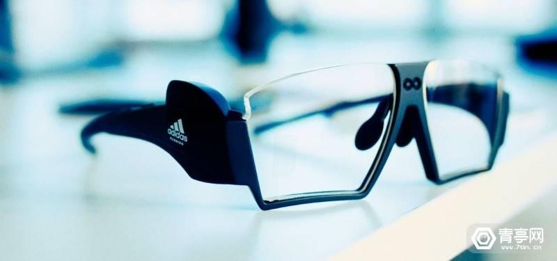 原创             tooz展示阿迪达斯合作款AR眼镜,可实时追踪运动数据
