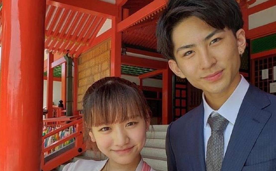 """日本女人口_日本高中生夫妻""""假戏真做"""",生娃后秀一家三口,有人羡慕有人怒"""