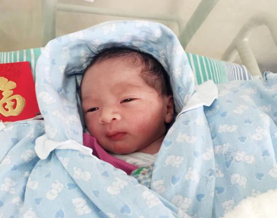 新生儿常见的六种特殊生理现象 妈妈别白白浪费钱去医院-家庭网