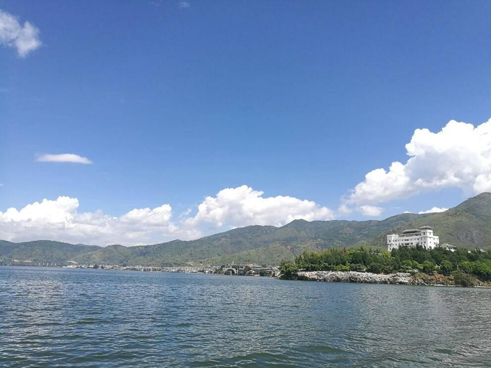 仅次于滇池的云南第二大湖,海拔1972米