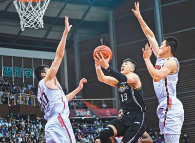人民日报:CBA培养篮球人才 裁判培训效果明显