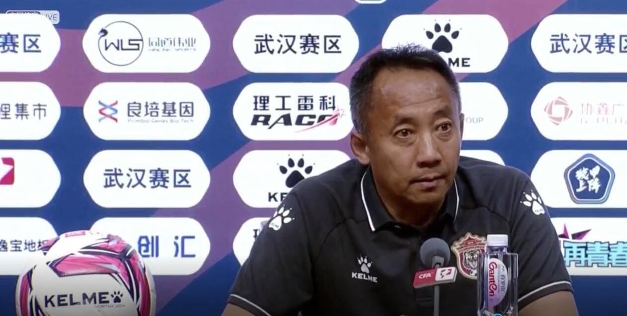 于明:辽宁沈阳城市这四场踢得最好的一场比赛,我负输球的责任