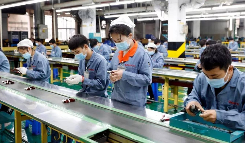 曹德旺感叹制造业现状:23万工人改行,现在年轻人以进工厂为耻!