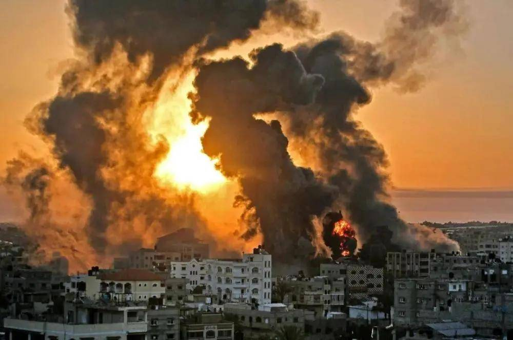 以色列空军出动160架飞机对加沙发动最大规模的空袭