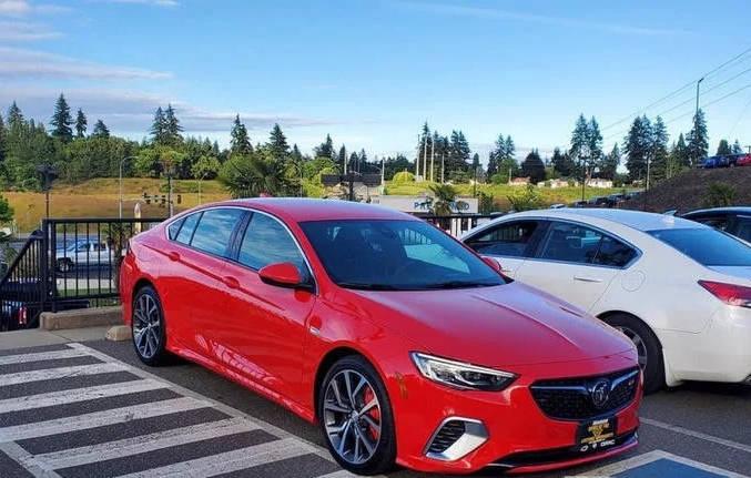 新款别克君威GS实车曝光,搭载3.6LV6发动机,年轻人肯定喜欢!3v1