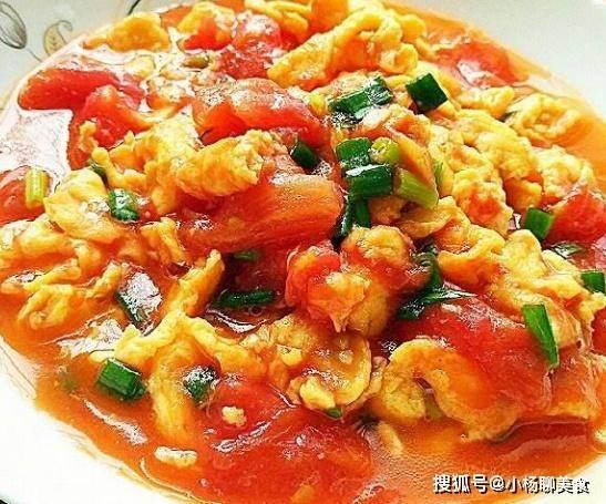 做西红柿炒鸡蛋,掌握这几个小技巧,炒出的西红柿色香味翻倍